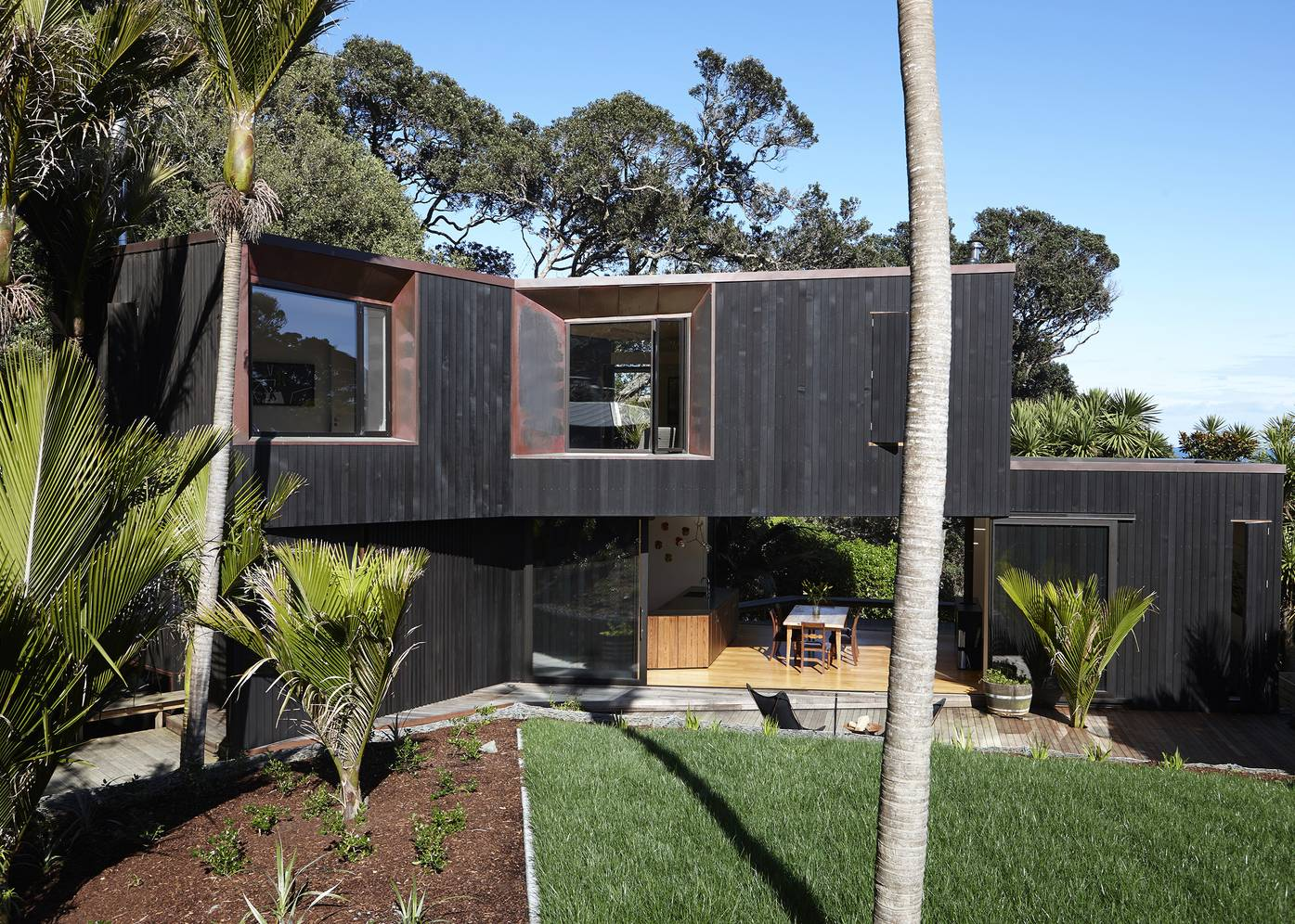 Muriwai House by Herbst Architects